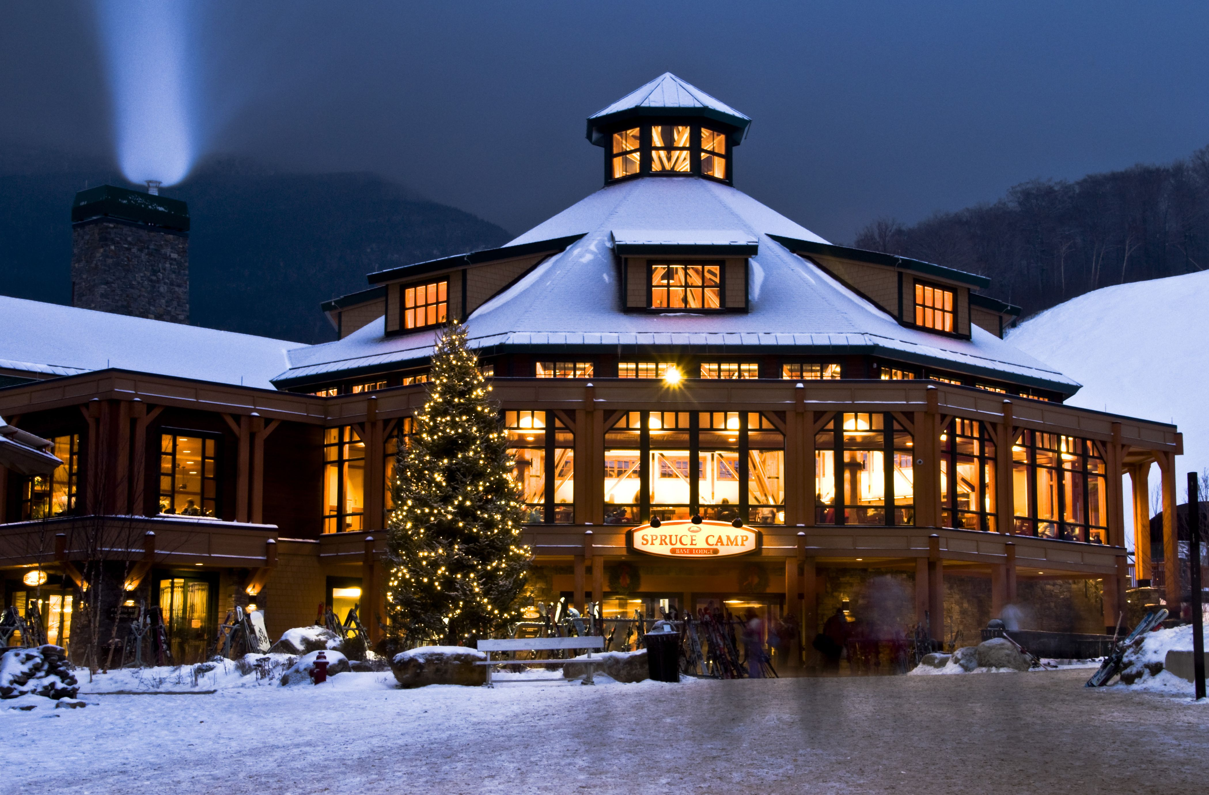Stowe Vermont is known as a 4 Season Resort Town located in the ...