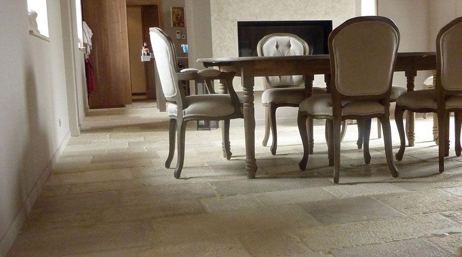 dallage en pierre de bourgogne finition vieilles dalles rustiques dallage pierre bourgogne. Black Bedroom Furniture Sets. Home Design Ideas