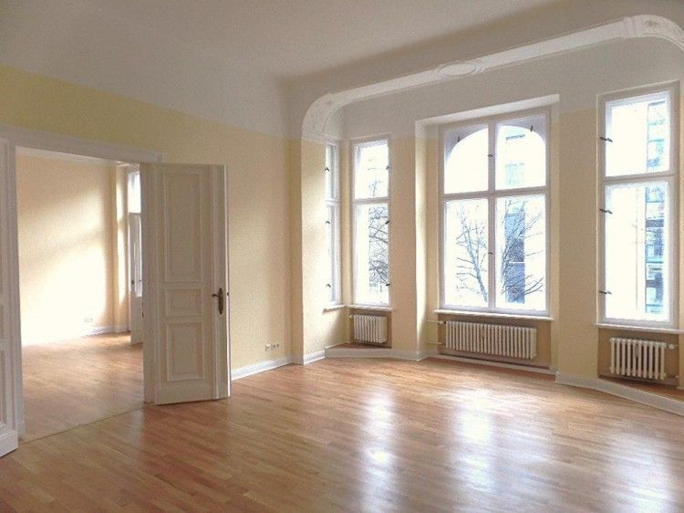 To rent penthouse style, period apartment in the heart of