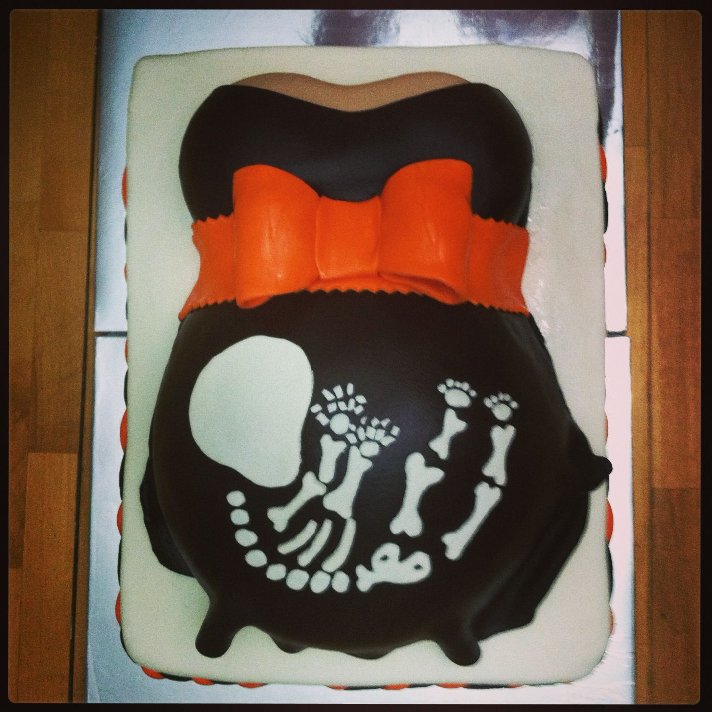 halloween themed baby shower belly cake things i made pinterest