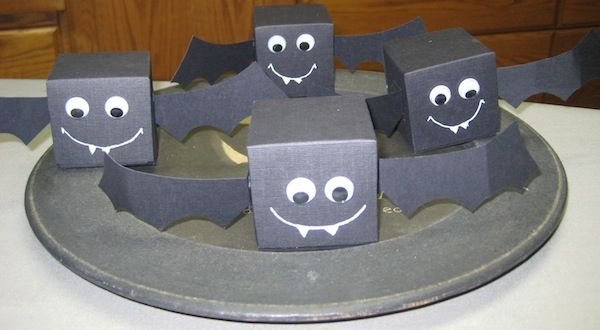 Fun favor boxes to start making for Halloween.