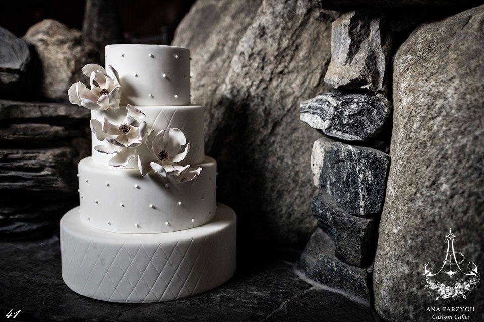 Custom Wedding Cakes Portfolio by Ana Parzych Custom Cakes, cake design studio in Manhattan NYC, Cheshire CT and Greenwich CT