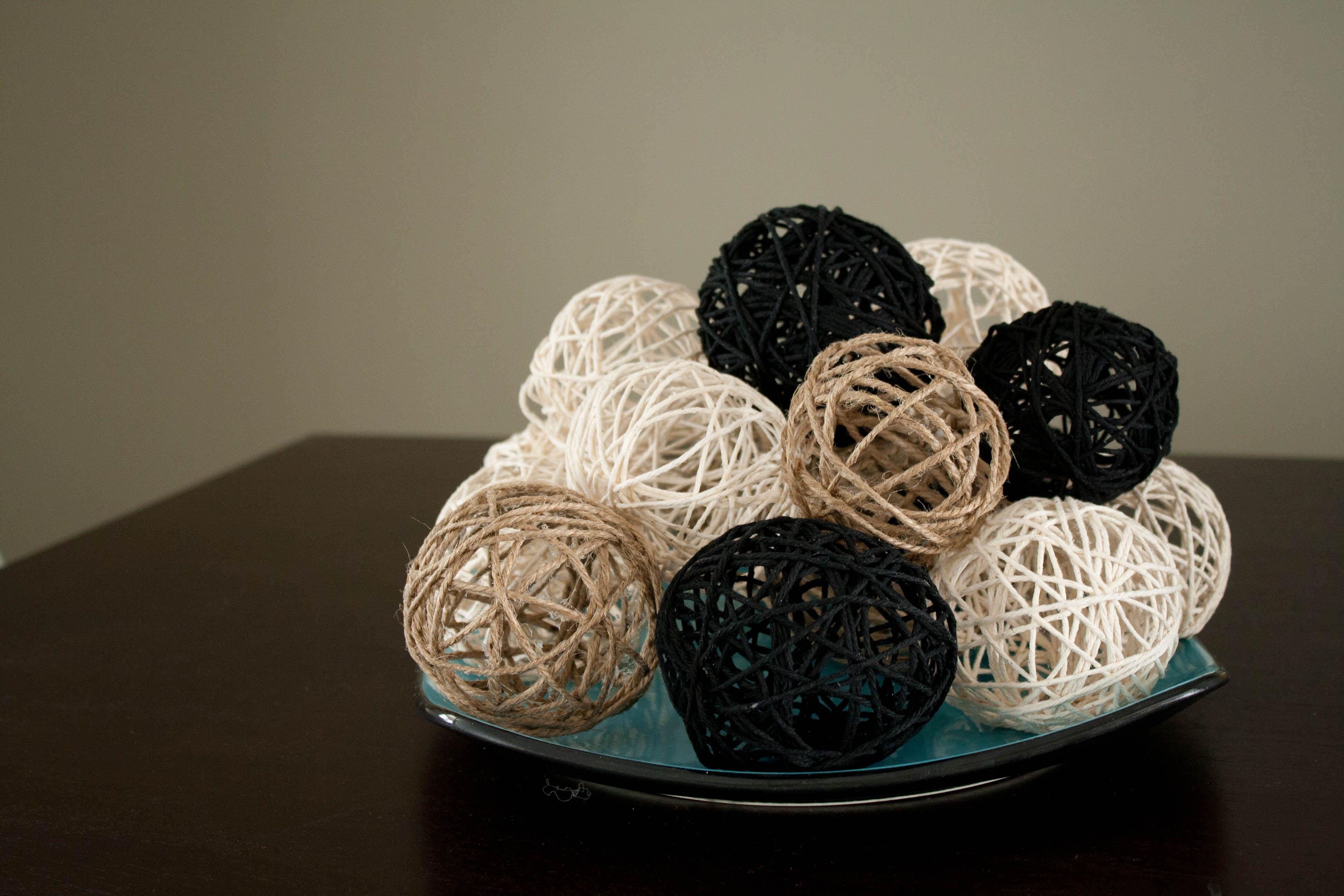 DIY Decrotive Balls. Wonder if you could make them big for