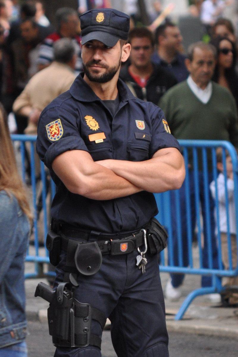 Парни полицейские фото