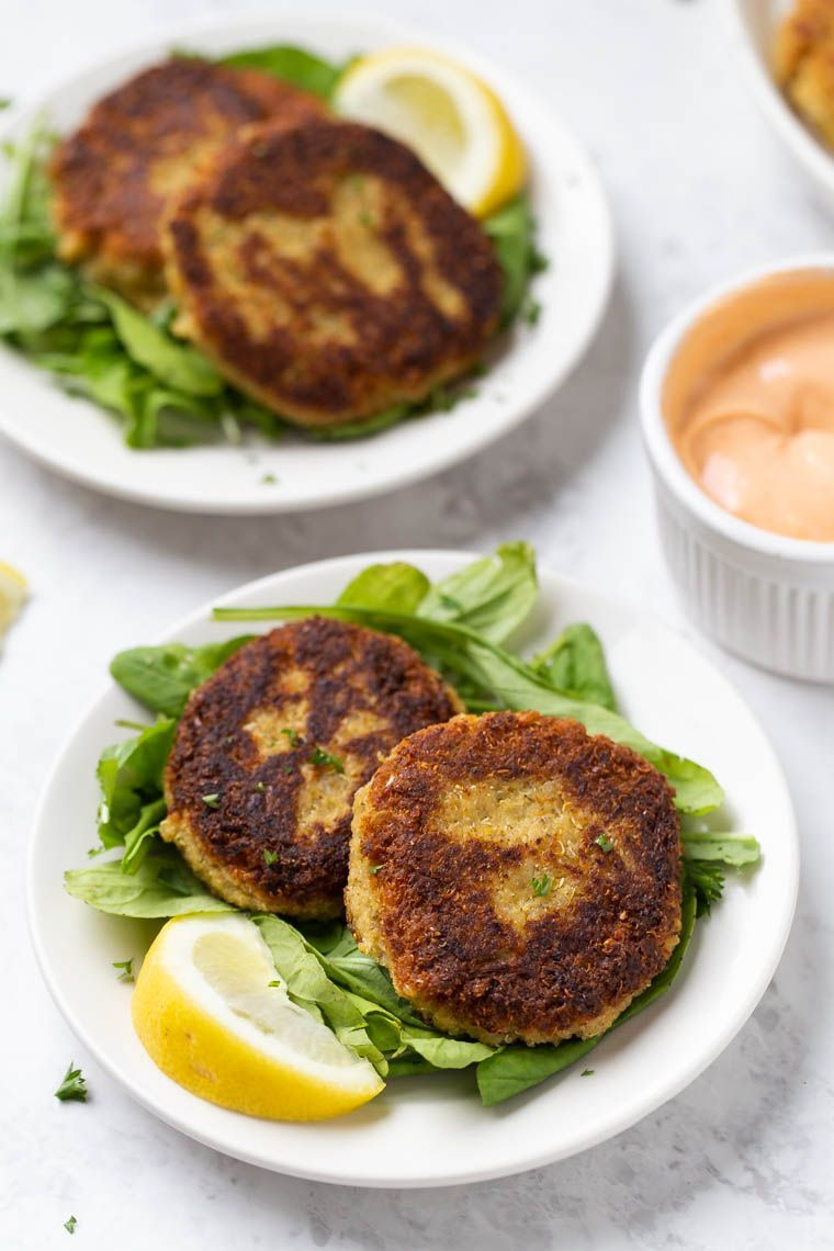 These quinoa crab cakes might look traditional but are