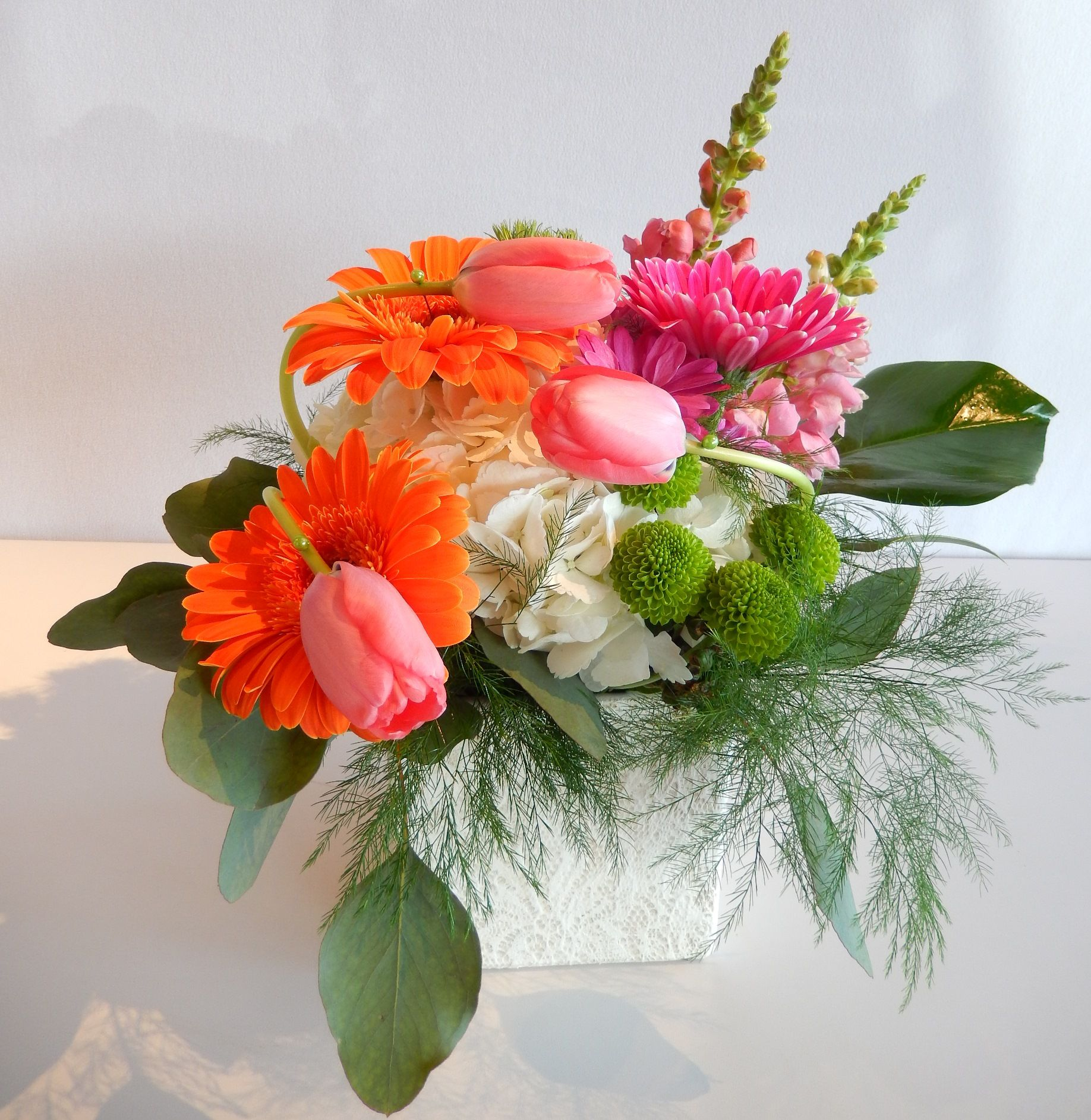Beautiful sunny centre piece from dizennio floral boutique