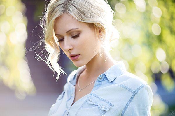 Blonde Shemale Babe Symony