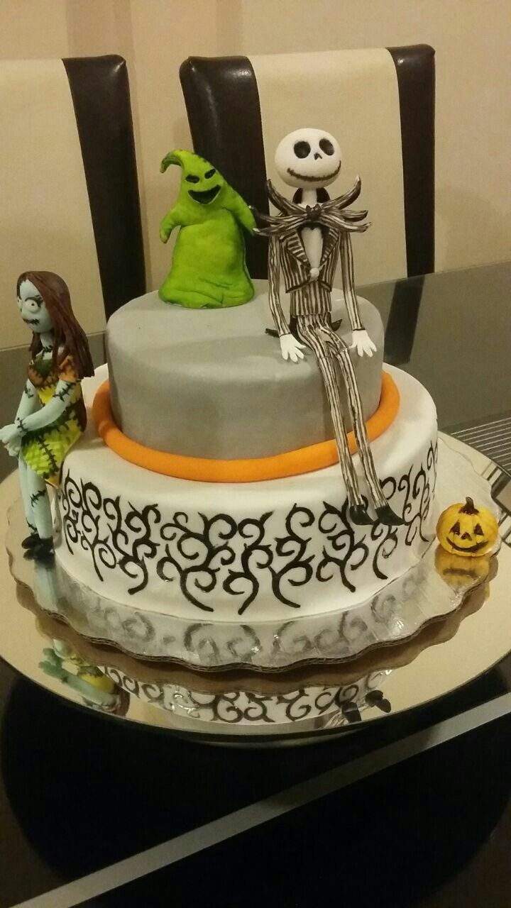Pastel con decoraciones de fondant de la pelcula de jack pasteles