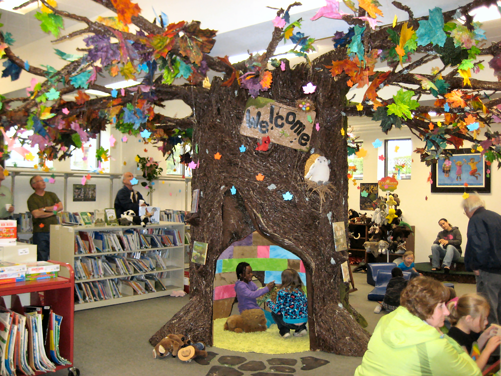 Reading Tree in the Children's Library   Trees, Children's library ...