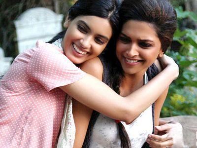 Deepika Padukone Praises Diana Diana Penty Cocktail Movie Deepika Padukone
