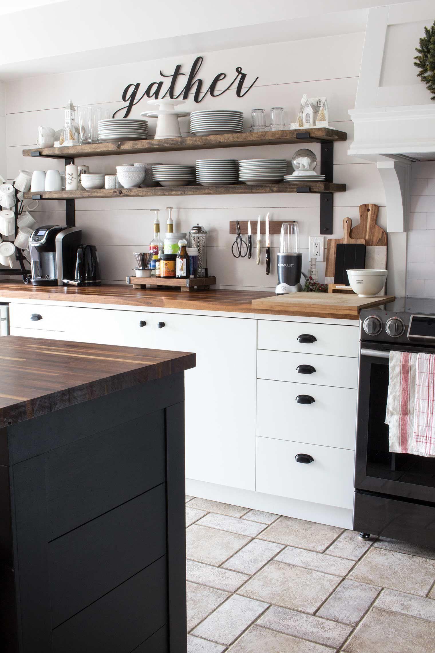 A Nostalgic Farmhouse Style Christmas In The Canadian Suburbs In 2020 White Wood Kitchens Kitchen Design Traditional White Black Kitchens