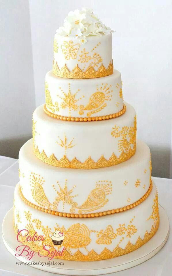 Gold and Ivory henna design wedding cake | Wedding | Pinterest ...