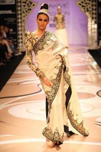 Vikram Phadnis at Lakmé Fashion Week 2012 (via http://www.lakmefashionweek.co.in/)