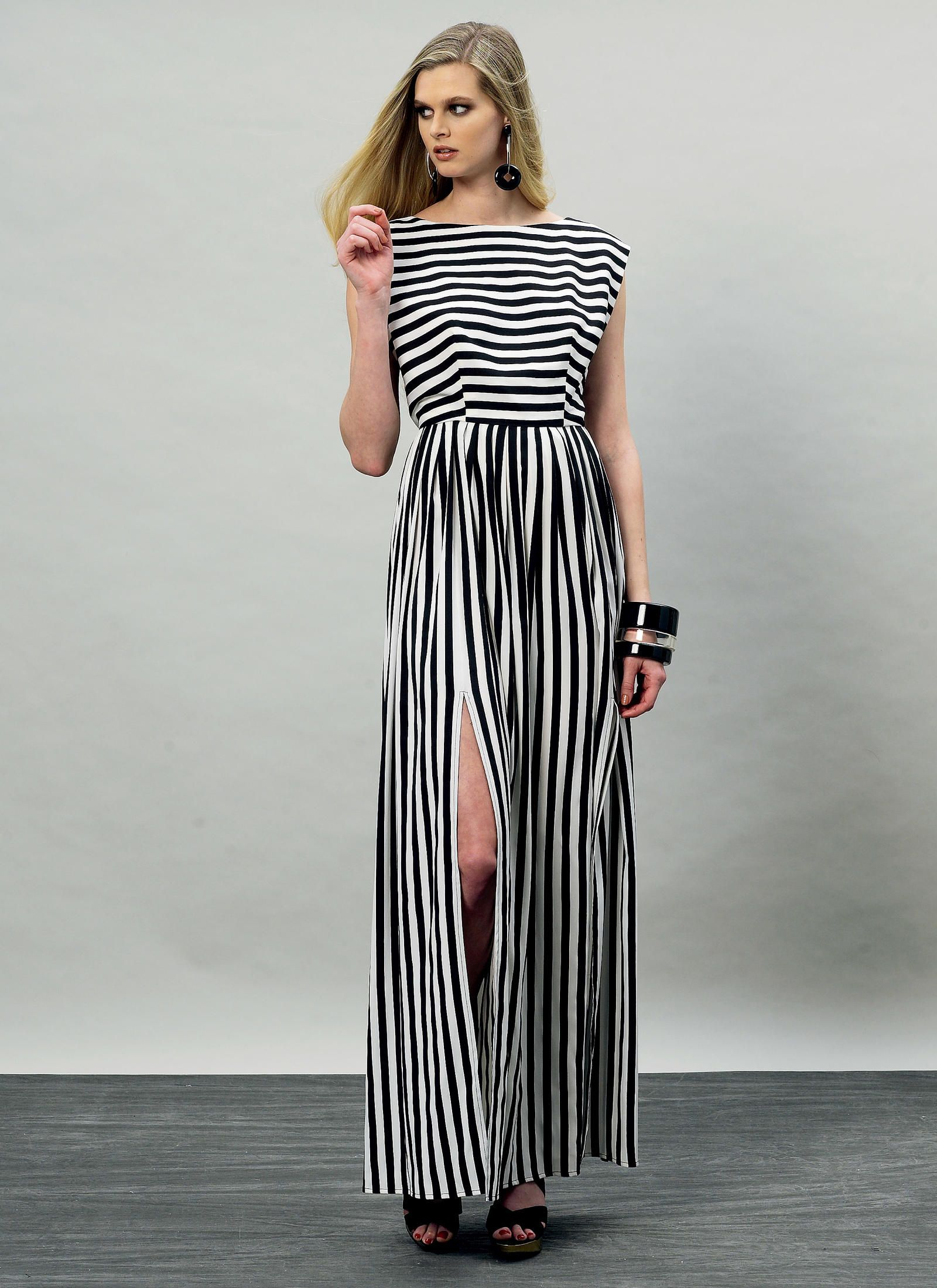 V8901 | Vogue Patterns this could be my new go to maxi! | pattern ...