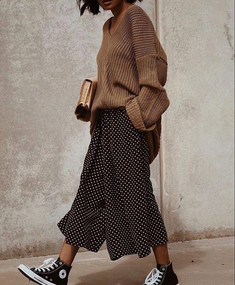 Sweater V Neck Camel Culotte Polka Dot Black Sneakers Converse High Tops Black