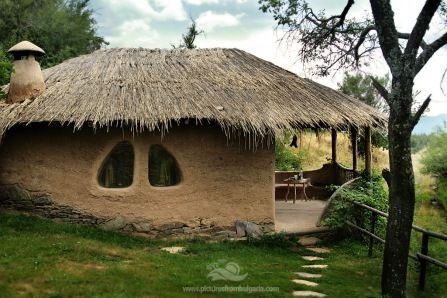 Eco Village Leshten is one of the most attractive and authentic rural villages in Bulgaria, located in South-West Bulgaria, high in the Pirin mountain.  http://earthbagbuilding.wordpress.com/2011/07/11/cool-ecovillage-pics/