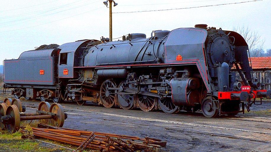 la locomotive a vapeur 141 r de la sncf locomotives. Black Bedroom Furniture Sets. Home Design Ideas