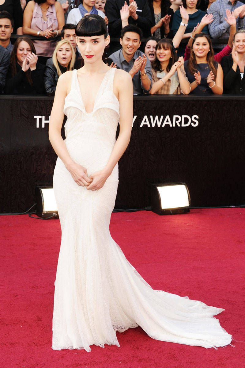 The 15 Best Red Carpet Dresses, Ever | Red carpet dresses, Celebrity