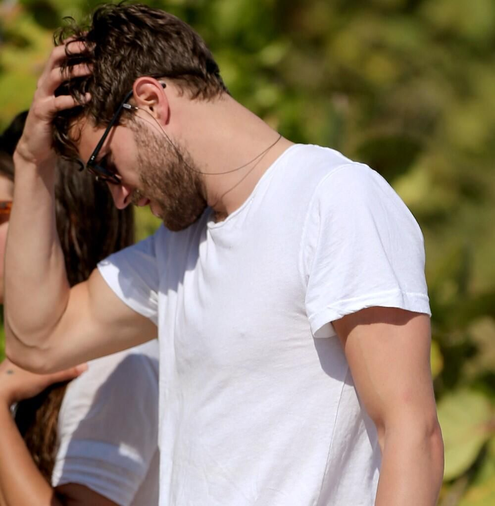 #RandomPicture Jamie being so handsome on Miami beach (January 2013) pic.twitter.com/UDKpvuRs5Y