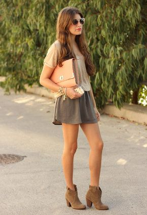 Primark  Clutches, Pull   & Bear  Botines and Pull   & Bear  Faldas