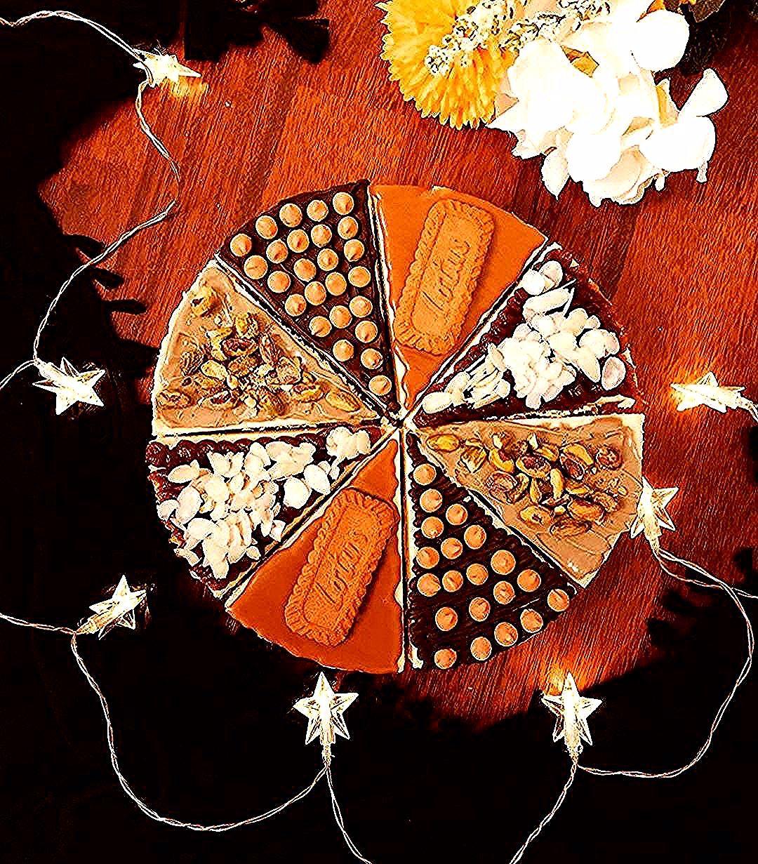 Yummy My Cheesecake ميكس تشيز كيك مقاس9 انش النكهات لوتس بستاشيو تمر شوكولا Baby Food Pistachio Fo Artwork Abstract Artwork Abstract