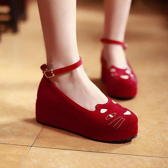 Kawaii cats shoes platform shoes, loving the black :3