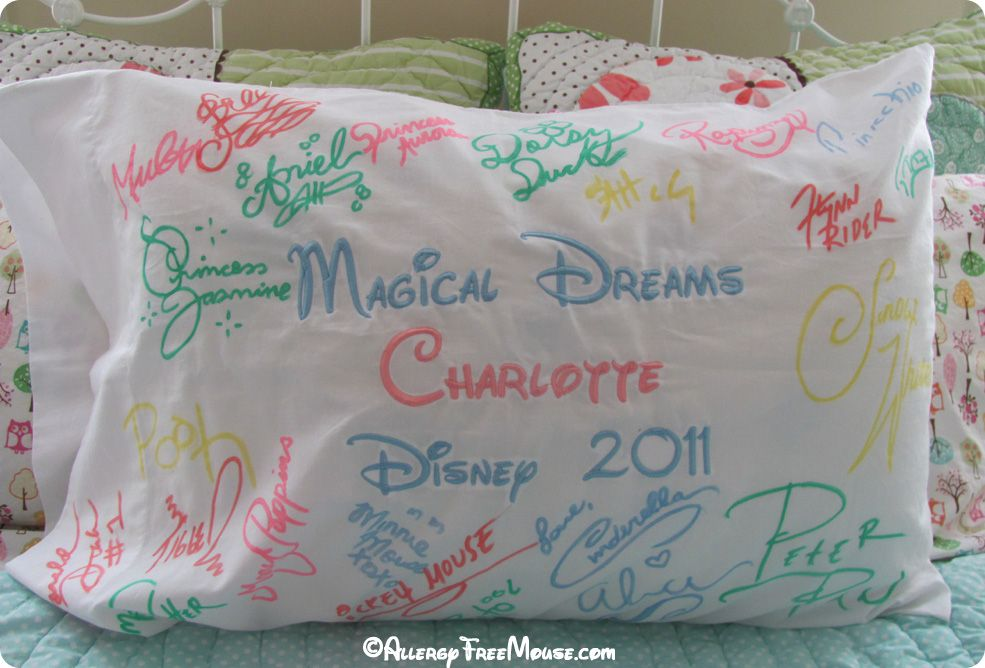 Diy Autograph Pillowcase: A really cute Disney World autograph idea for kids  from http    ,