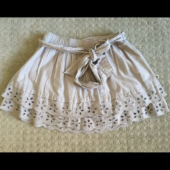 FLASH SALE ⚡️Beautiful short skirt - Abercrombie I love this skirt but it's sitting in my closet. Beautiful details with embroideries at the bottom and belt with satin touches. Like new, no stains, no flaws. Worn a couple of times. I need space in my closet! Abercrombie & Fitch Skirts Mini