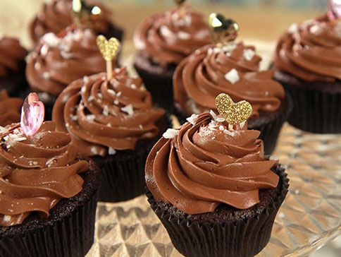 choklad cupcakes med frosting