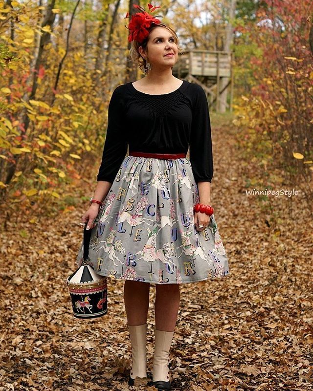 🍁Fall truly makes a gorgeous backdrop for pictures! 📷 These beautiful colors are perfect to show off my carousel 🎠 themed outfit! Makes sure to check out my blog to see more. 👜 Blog link in my profile 👒 #thecolorsoffall #carouseldreams