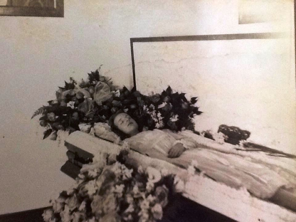 POST MORTEM CASKET PHOTO early 1900s Cabinet photo Young ...