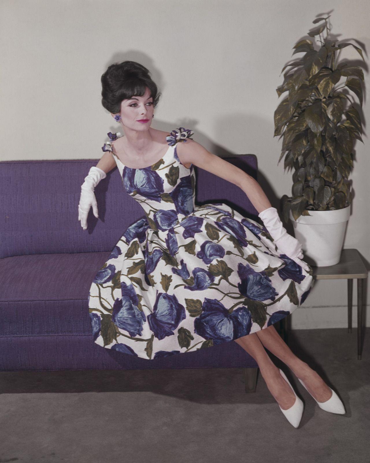 SILUETA ANONYMOUS | la historia | Pinterest | Siluetas, Moda ropa y ...