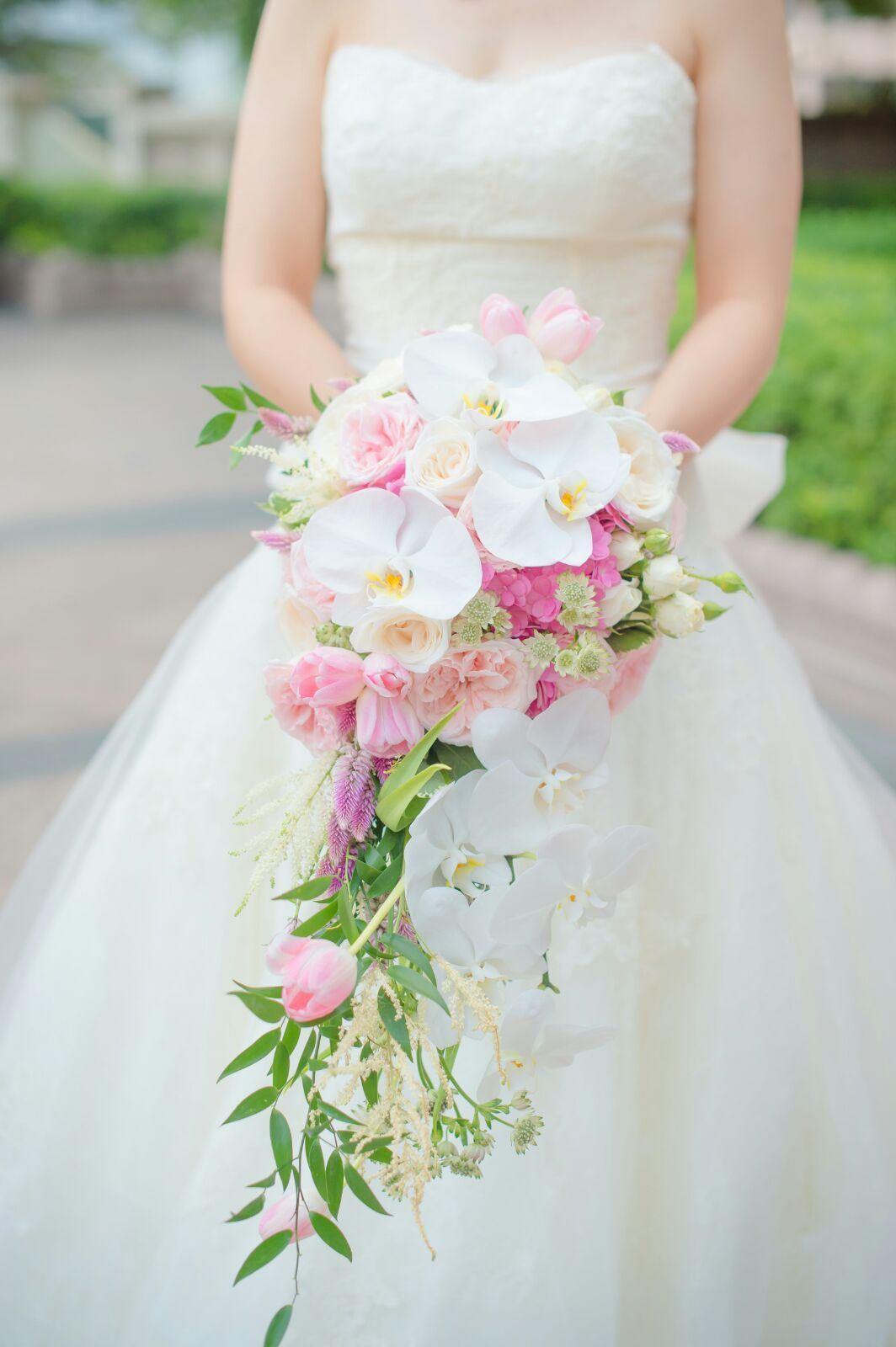 Pin By Lemongrasswedding On Fresh Flower Waterfall Bouquet