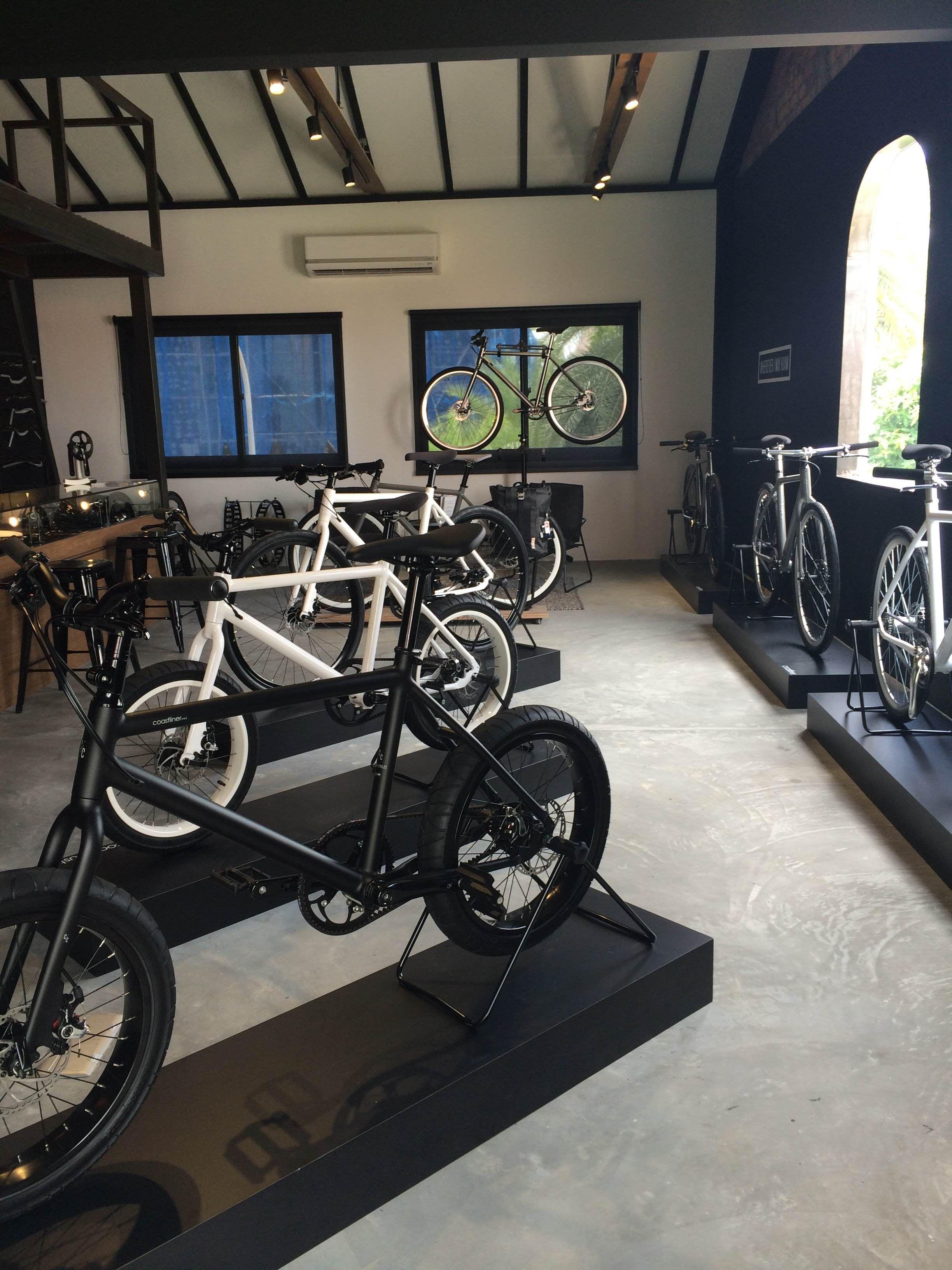 Coast & Company – Sleek Bikes & Bites
