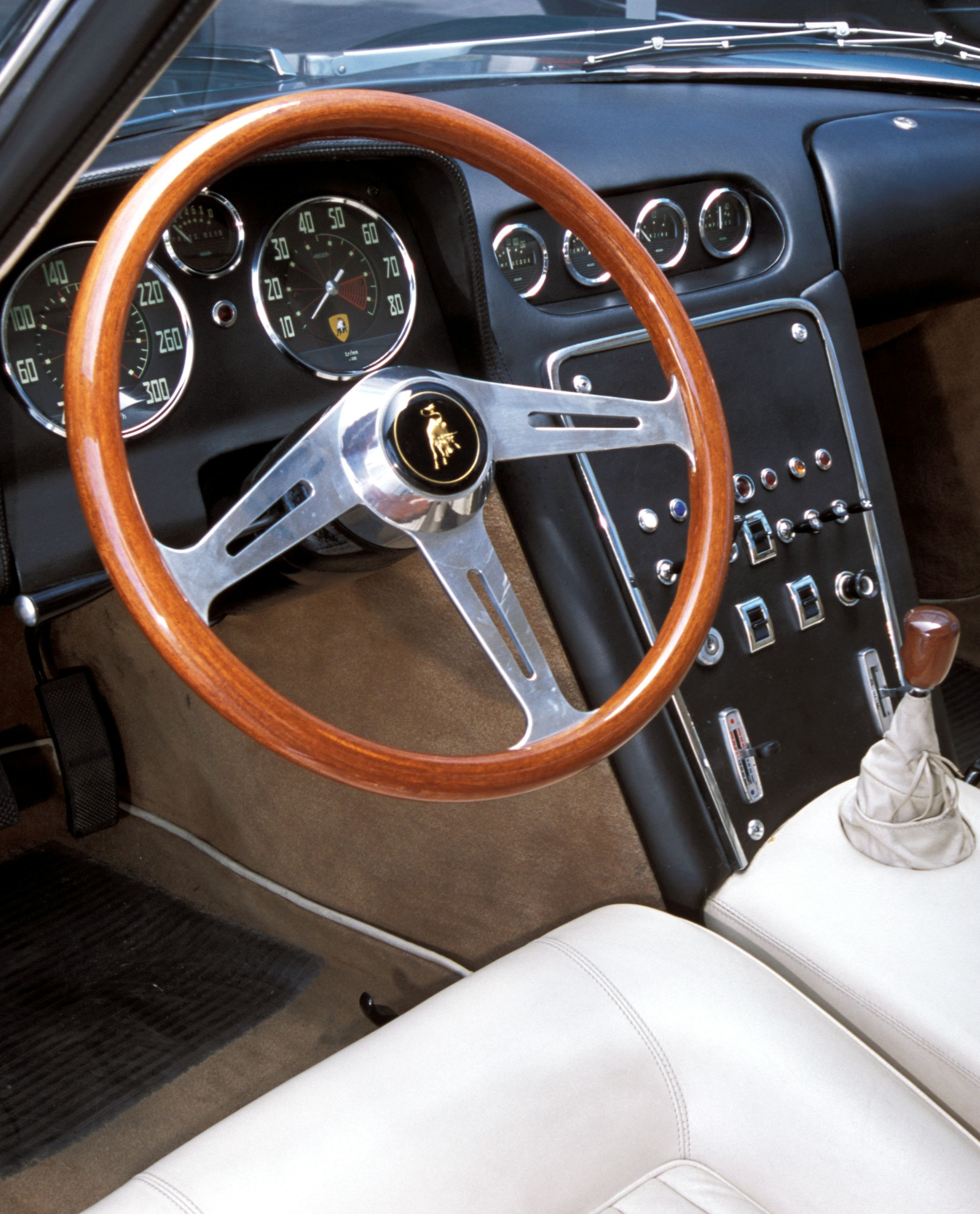Lamborghini Aventador Interior: A Step Up From Tractors. Luxurious Interior Of 350 GTV