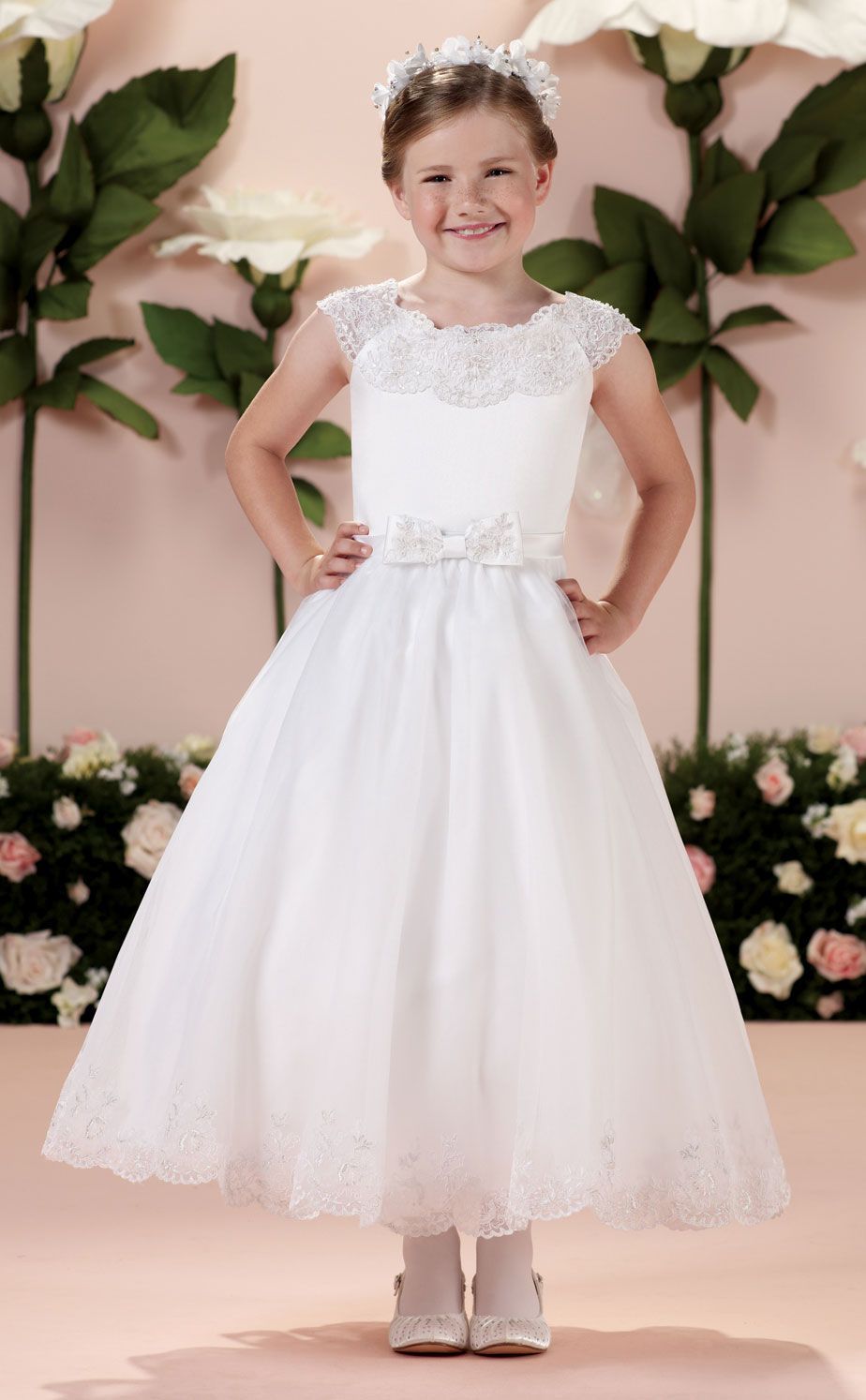 First Communion Dress With Scalloped Lace Applique Neckline Ivory Flower Girl Dresses White Flower Girl Dresses Flower Girl Dresses [ 1494 x 924 Pixel ]