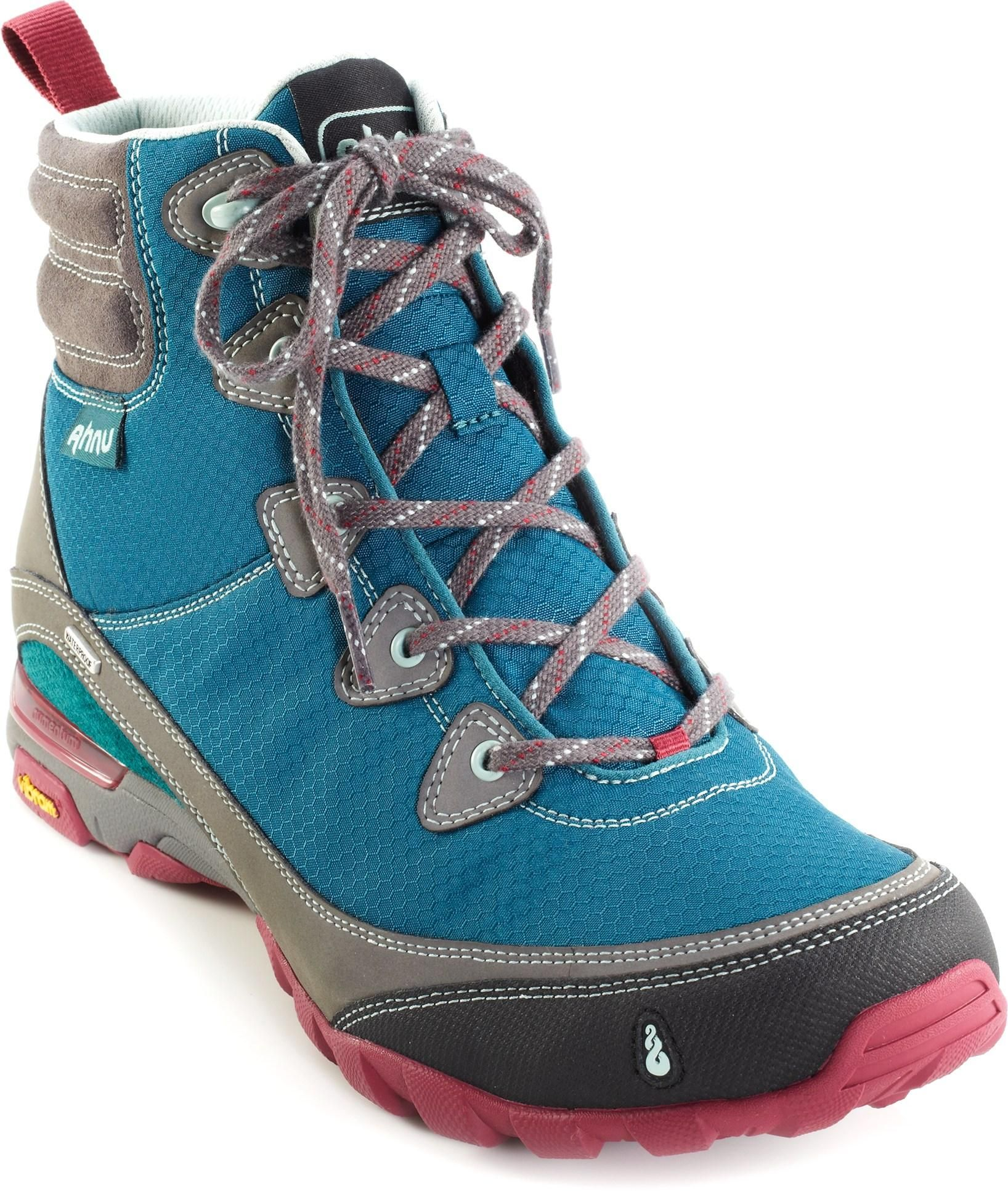 Women's Light Hiking Boot
