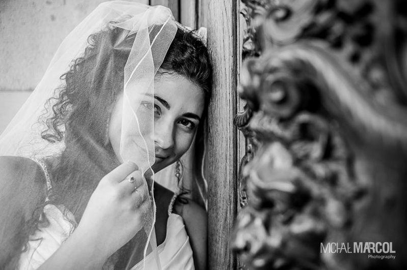 Wedding photography / Beautiful bride portrait / Fotografia ślubna / Portret panny młodej / Fotografia ślubna Śląsk  More at: http://uchwyconewkadrze.pl/2014/01/04/plenerowa-sesja-slubna-pszczynie-slask/