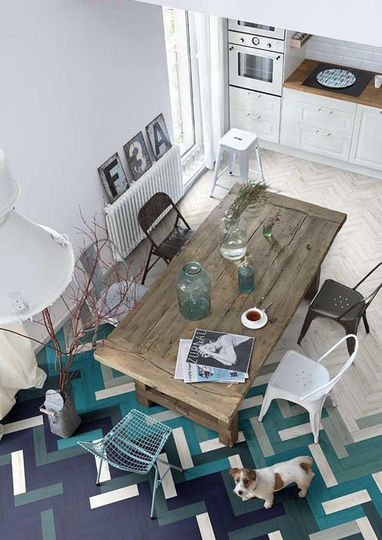 Des touches de couleurs dans la salle à manger Flooring ideas - Salle A Manger Parquet