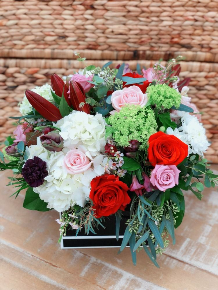 Pin By Art Knapp Kamloops On Floral Arrangements By Art Knapps Get Well Flowers Anniversary Flowers Flower Delivery Service