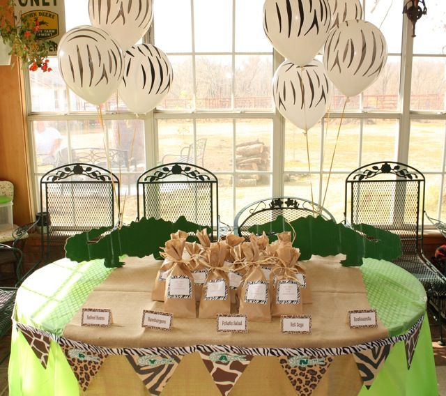 I Like The Burlap Table Runner Over The Green Table Cloth With The Animal Print Pennet Banner Burlap Table Runners Green Table Baby Shower Table Cloths