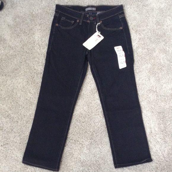 "New Levi's Skinny Stretch 503 Capri Jeans Sz 1 M Brand new Levi's. Size 1 M. 503 jeans. Low rise, straight fit, skinny leg. Black. Cropped/Capri style (inseam approx. 23"") 99% cotton, 1% spandex. Levi's Jeans"