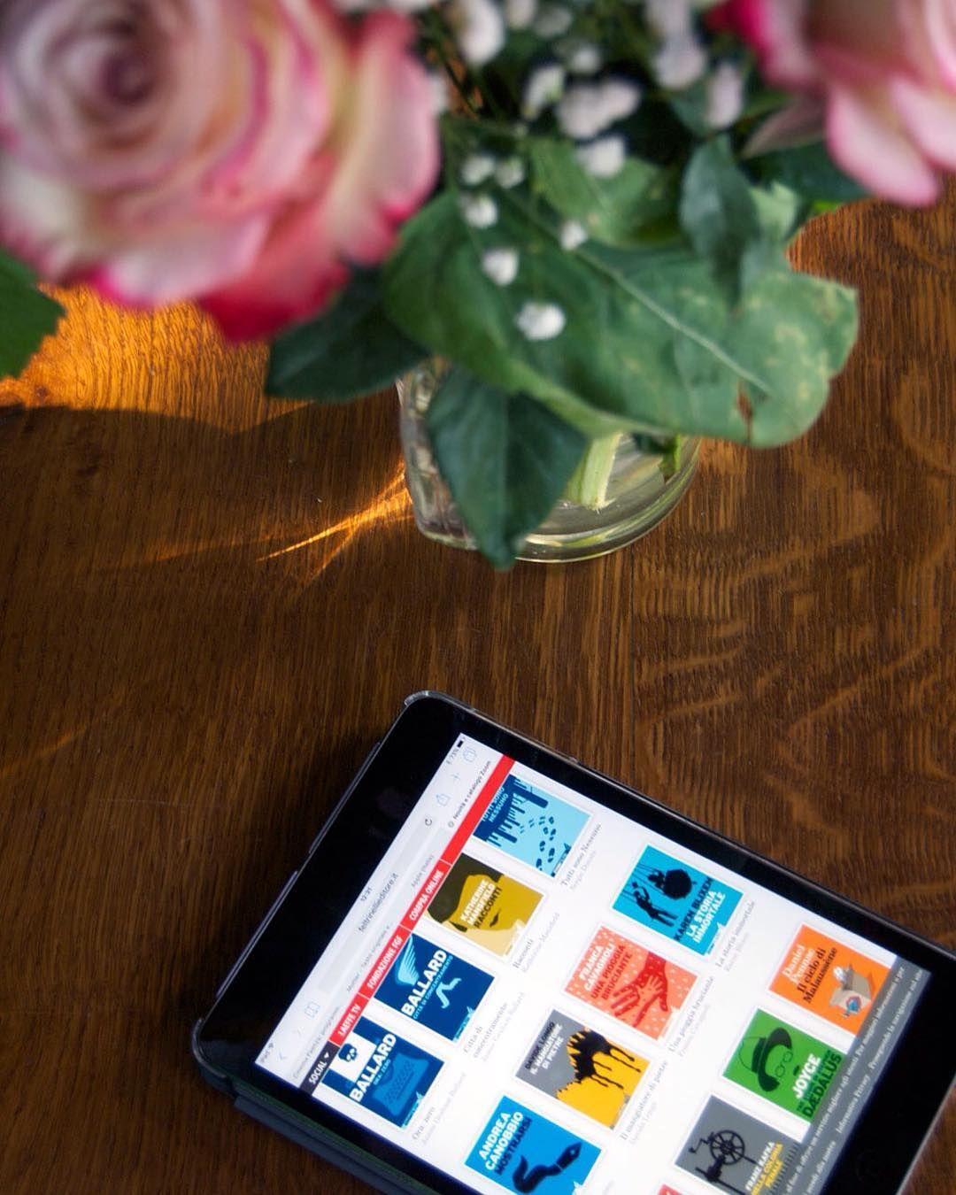 In cerca di un regalo last minute per la #festadellamamma? Un ebook è la soluzione! {http://bit.ly/regala-un-ebook  link in bio} . . . . #libri #instabook #leggere #lettura #alwaysreading #narrativa #leggere #libro #libri #book #books #read #reading #instareader #bookstagram #booklover #ebook #ebooks #ereader #ebooklover #ebookstagram #ebooklove #ebookreader #ebookworm