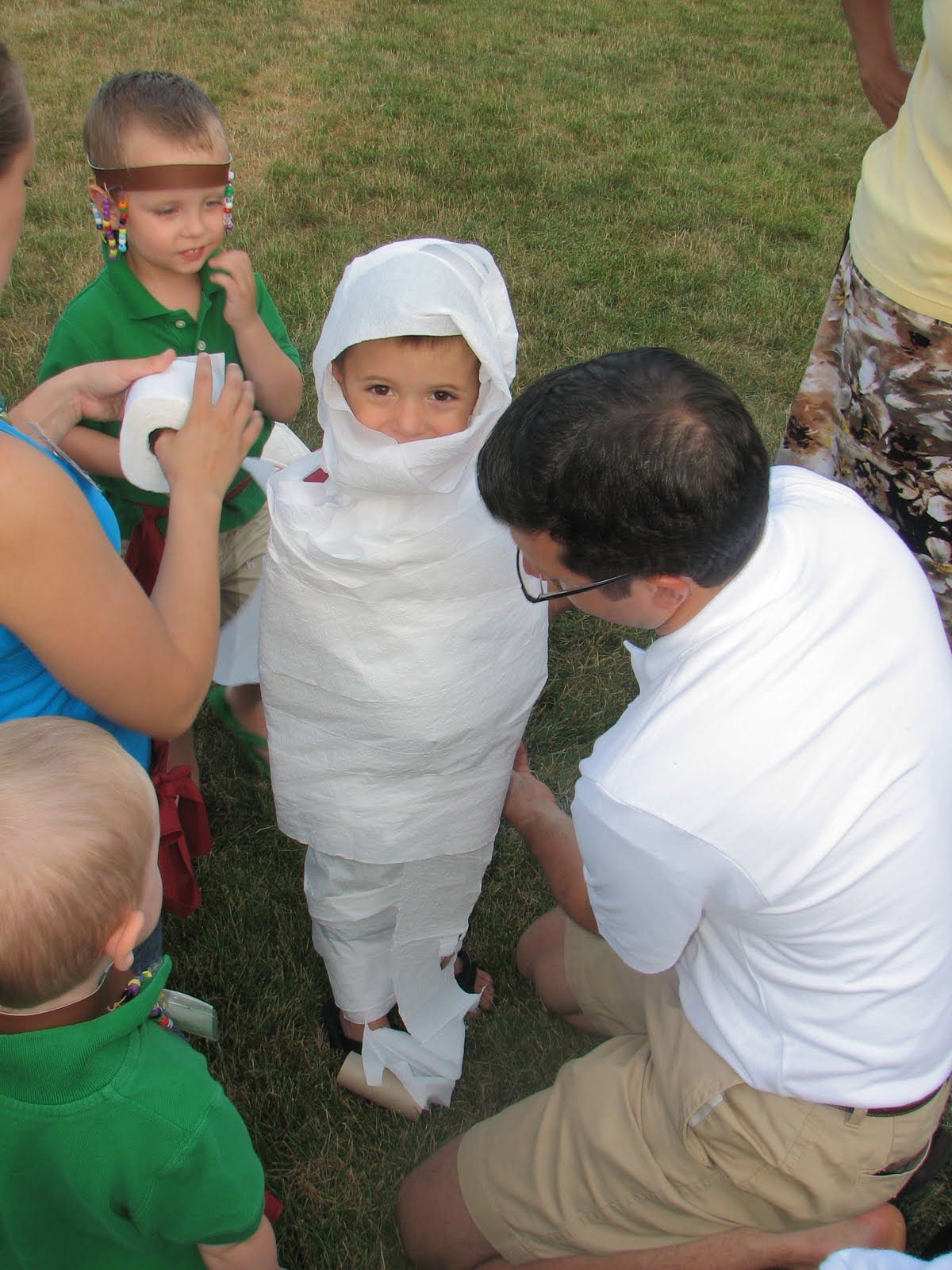 Halloween Games For Kids:- Mummy Wrap | Halloween Games For Kids ...