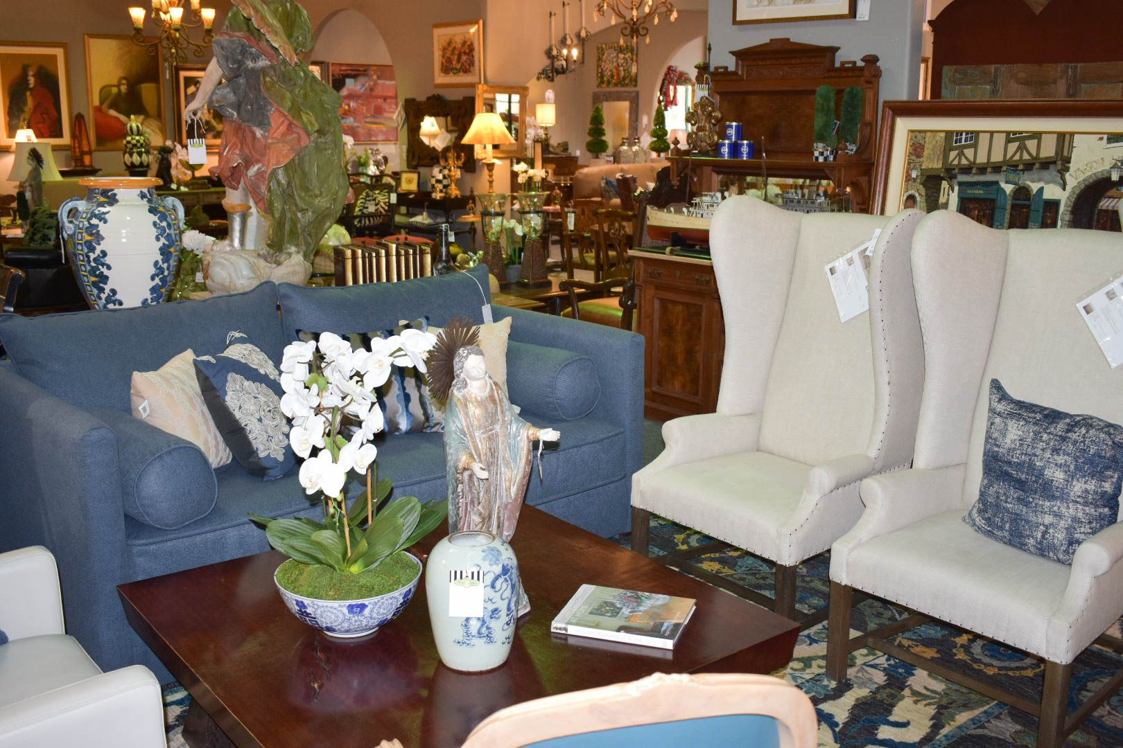 Great Scottsdale Furniture Consignment, Antiques, Artwork And Home Accessories.