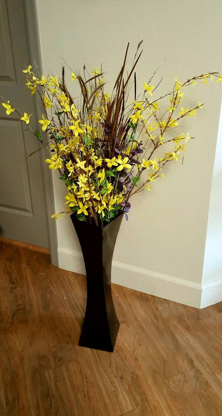 Tall modern twisted base yellow flower arrangement by Barnslaiy on Etsy