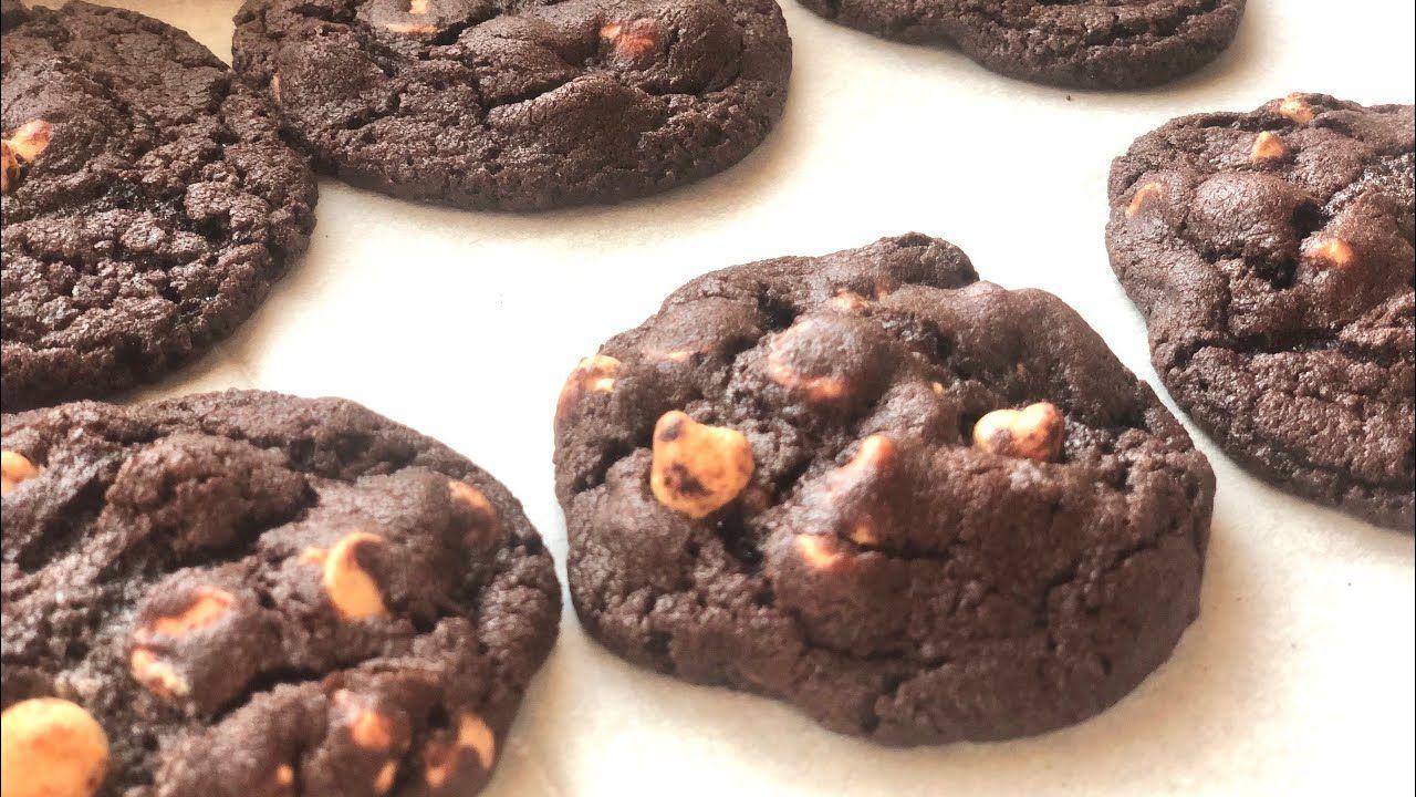 كوكيز براوني Soft And Chewy Chocolate Reese S Peanut Butter Chip Cookie Youtube Desserts Food Chocolate