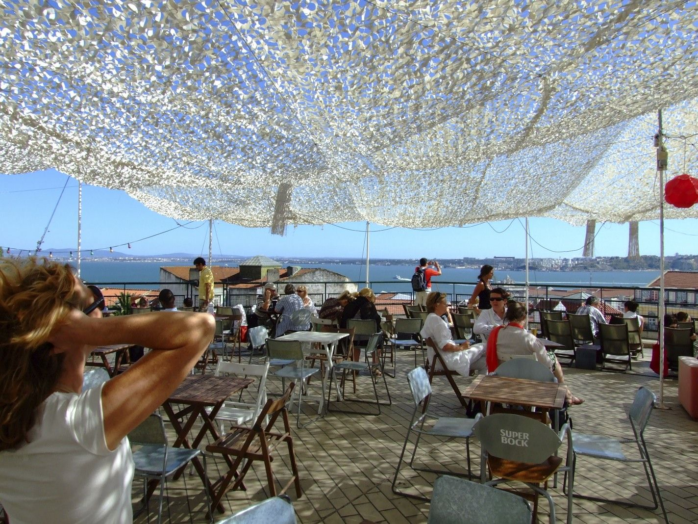 White camouflage netting shades for the summer - Filet camouflage terrasse ...