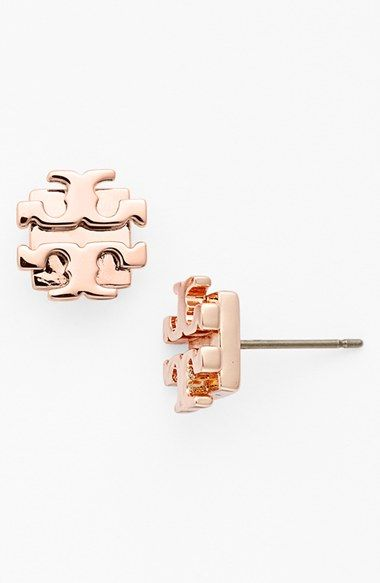 Free Shipping And Returns On Tory Burch Small Logo Stud Earrings At Nordstrom A Stylized Modernizes Essential Studs Plated In Blush Gold