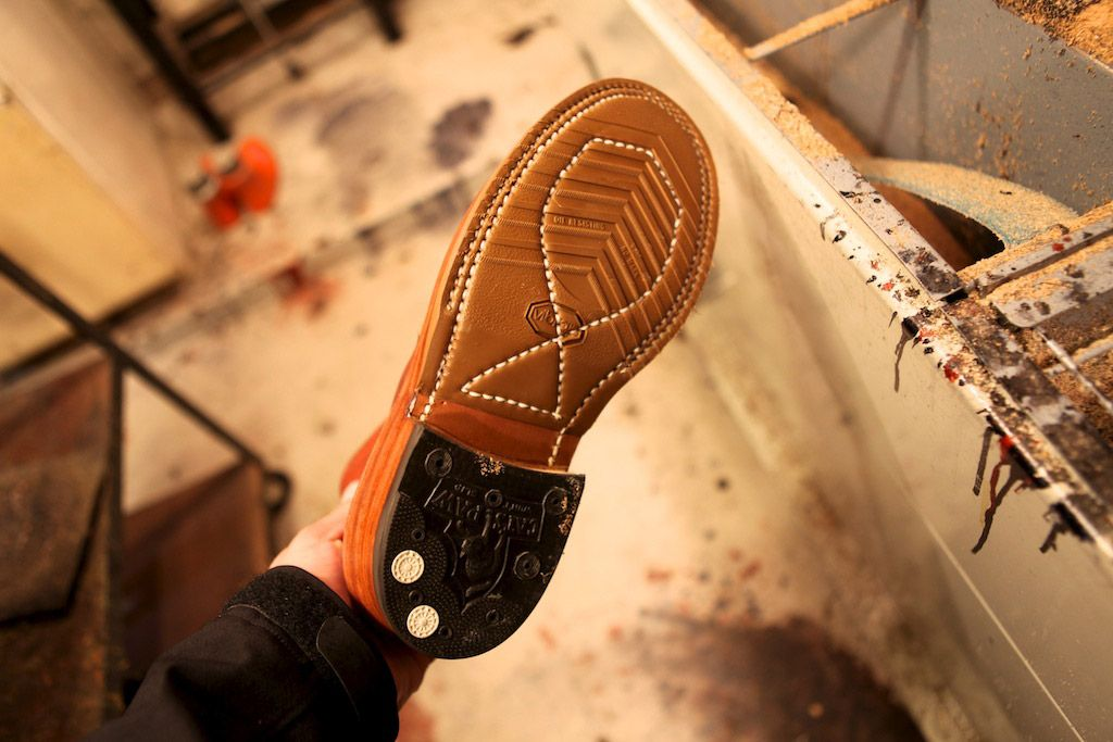 caterpillar shoes repair shops